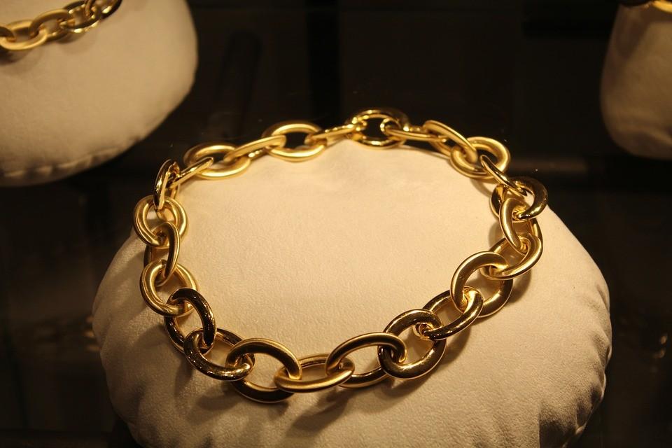 Consejos sobre cómo limpiar joyas de oro